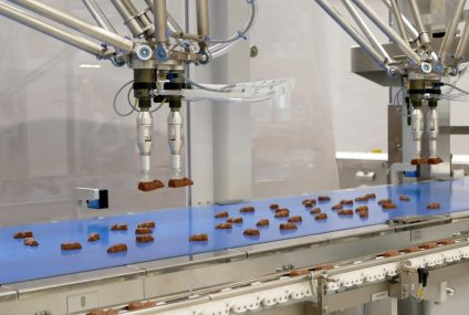 Vision Picker: نظام تغذية آلي مزود بكاميرا لتغليف الشوكولاتة