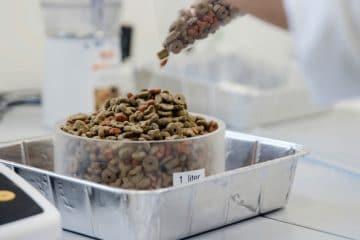 مركز تجربة أغذية الحيوانات الأليفة : التعلم والبحث والإنتاج